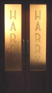 HARRY'S BAR ENTRACE DOOR